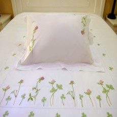 Red Clover Embroidered Bedding Set