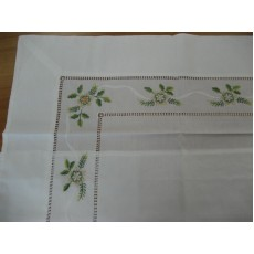 Embroidered napkins0010