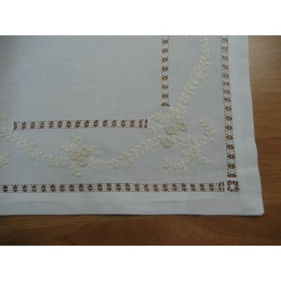 Embroidered napkins007