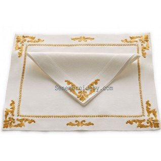 Gold hand embroidery napkins